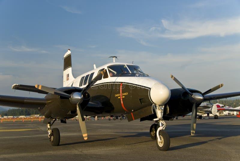 Petit avion d'armée photographie stock libre de droits