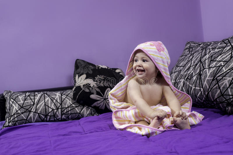 Petit bébé mignon photographie stock
