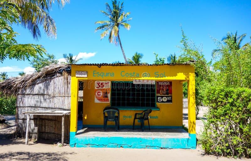 Petit débouché de boutique en Mozambique, Afrique photo libre de droits