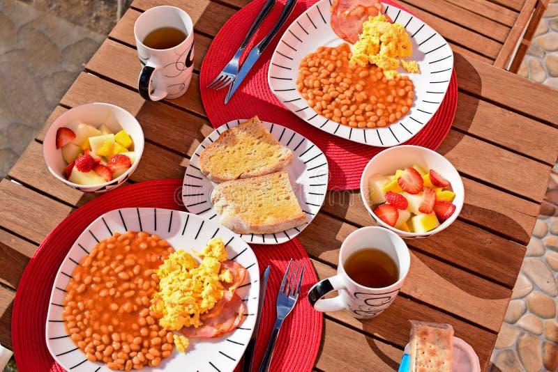 Petit déjeuner anglais pour deux photo stock