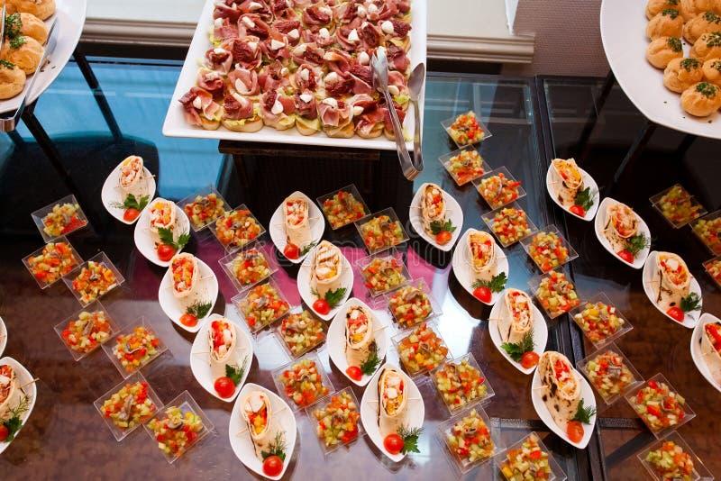 Petit déjeuner continental dans l'hôtel photos libres de droits