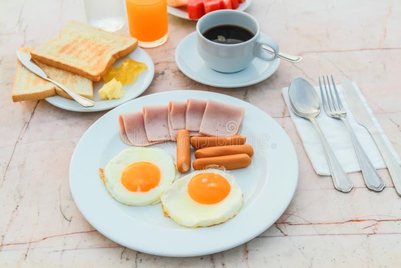 Petit déjeuner dans le matin photos libres de droits