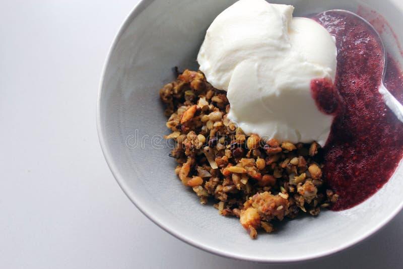 Petit déjeuner de granola photographie stock libre de droits