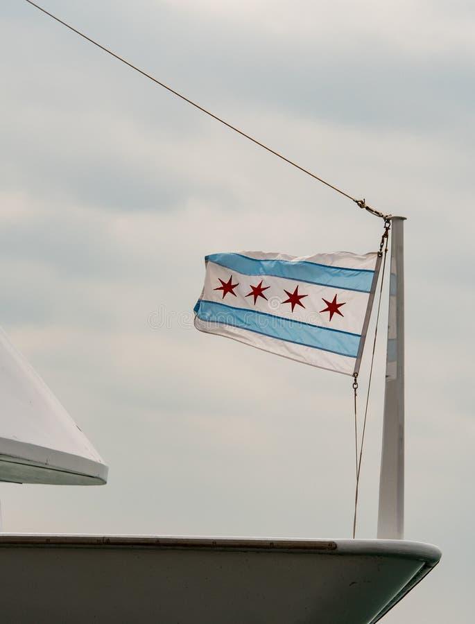 Download Petit Drapeau De Chicago Sur L'arc De Bateau Photo stock - Image du mât, quatre: 76083910