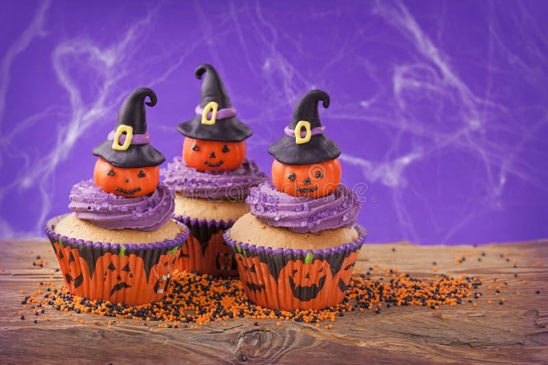 Petit gâteau de Halloween photographie stock