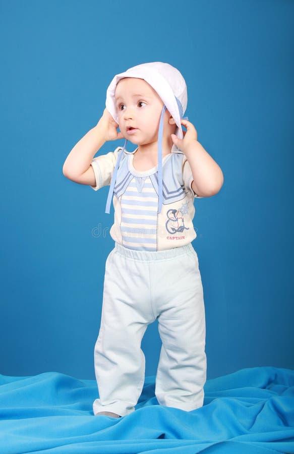Petit garçon dans le costume de marin images libres de droits