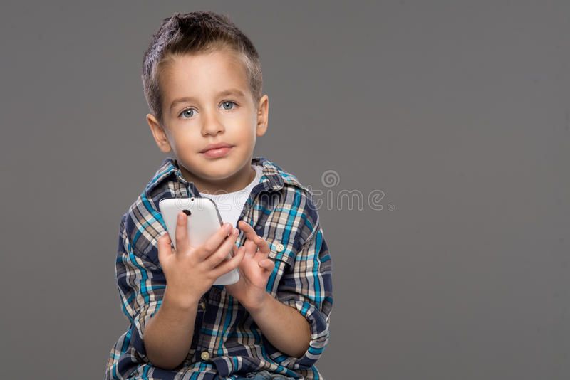 Petit garçon heureux photo libre de droits