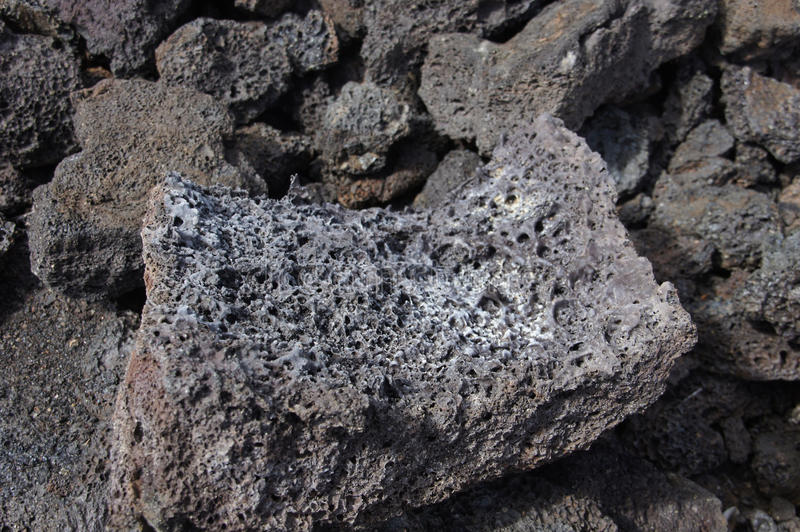 Petit groupe, lave rugueuse d'éruption volcanique antique, photographie stock libre de droits