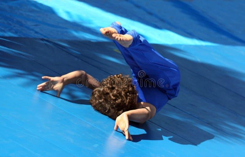 Petit gymnaste photo stock