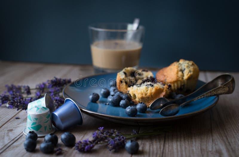 Petit pain avec le nespresso photographie stock