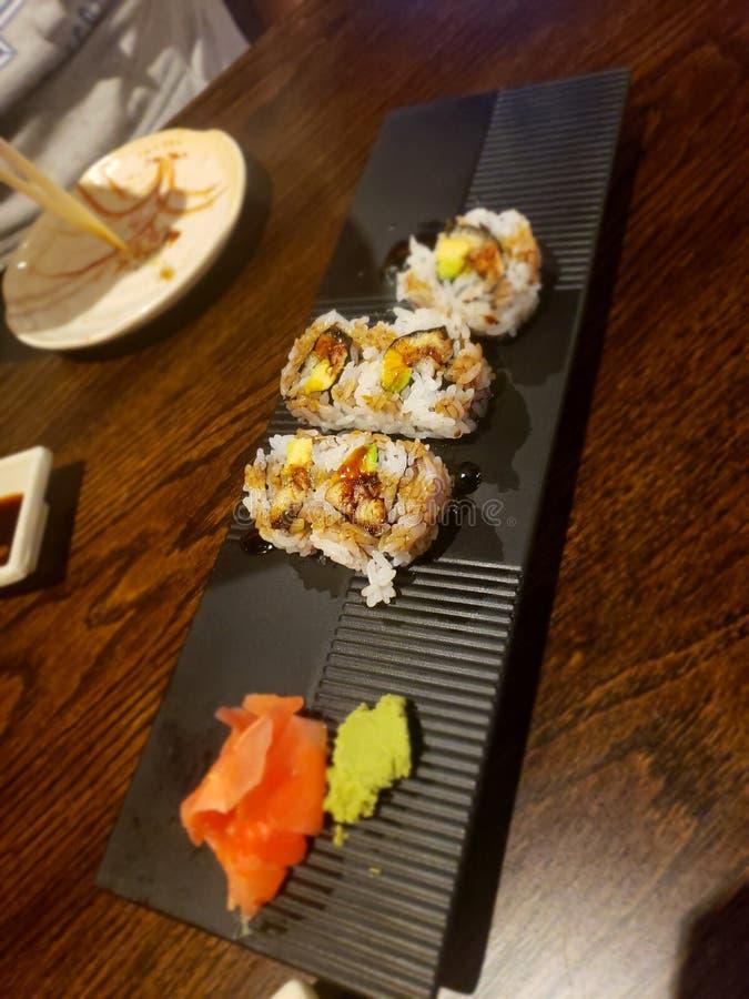 Petit pain d'anguille de sushi images libres de droits