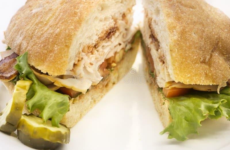 Petit pain de pain de BLT avec la dinde, lard, laitue photographie stock libre de droits