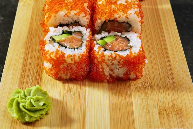 Petit pain de sushi de la Californie photographie stock libre de droits