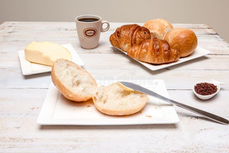 Petit pain dur et croissant photos stock