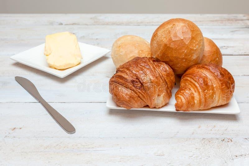 Petit pain dur et croissant photo stock