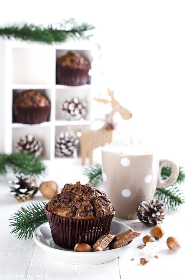 Petit pain et cacao de chocolat de Noël photos libres de droits