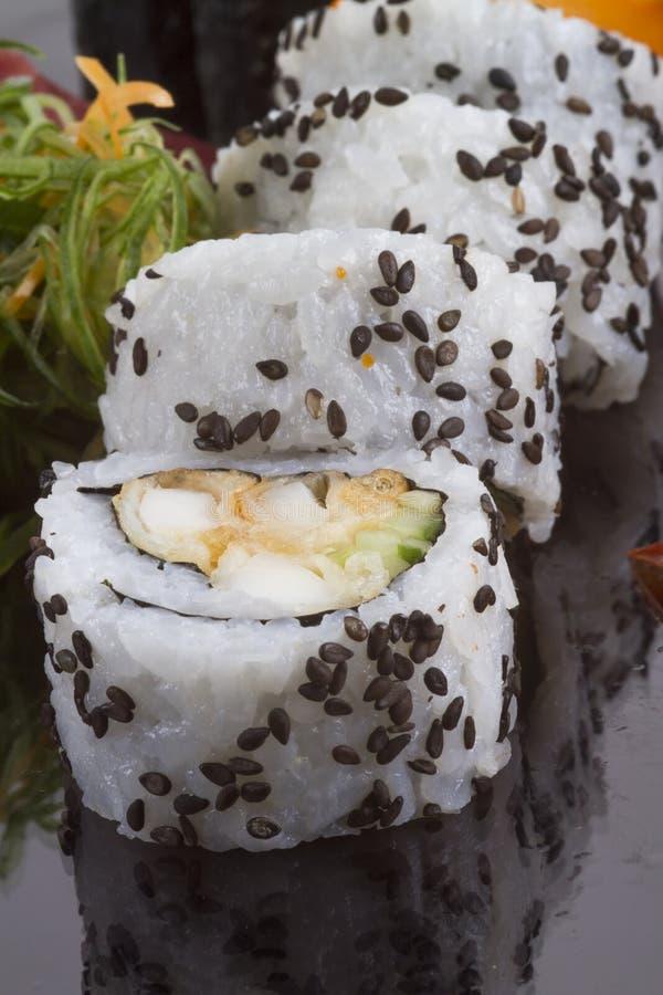 Petit pain et sauce de sushi image stock