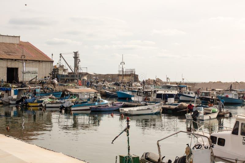 Petit port de pêche dans le vieux port de Jaffa, méditerranéen photographie stock