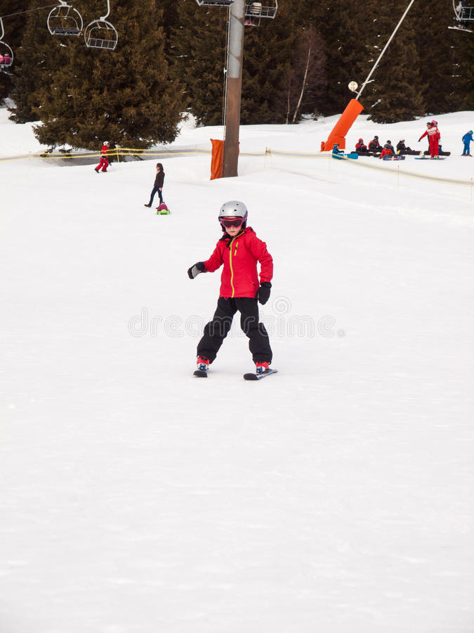 Petit ski de fille images stock