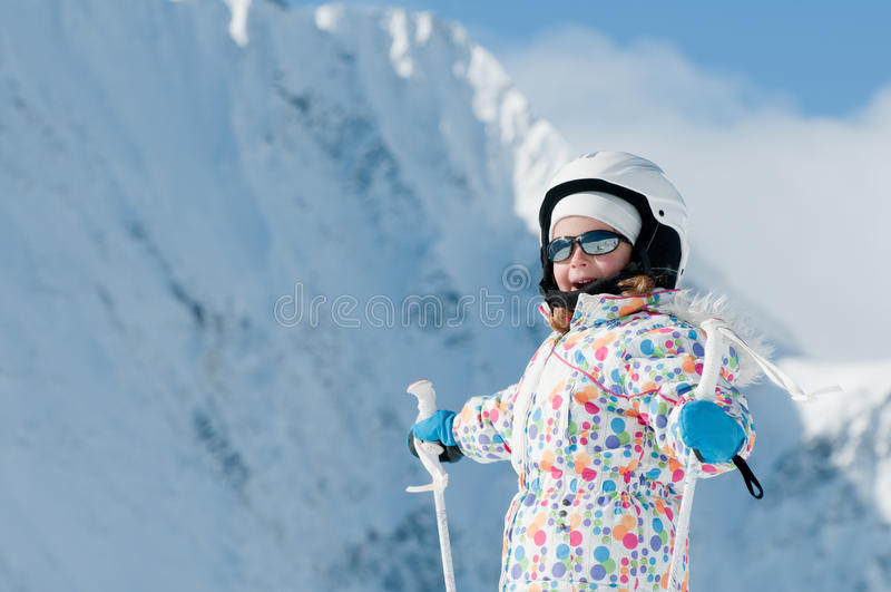 Petit skieur photo stock