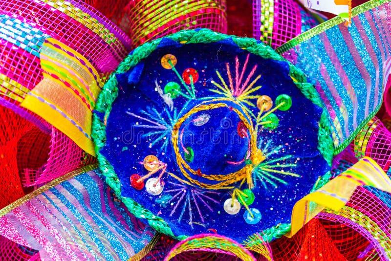 Petit sombrero bleu décoré des fausses pierres et du scintillement photo libre de droits
