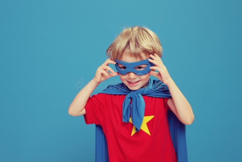 Petit super héros image stock