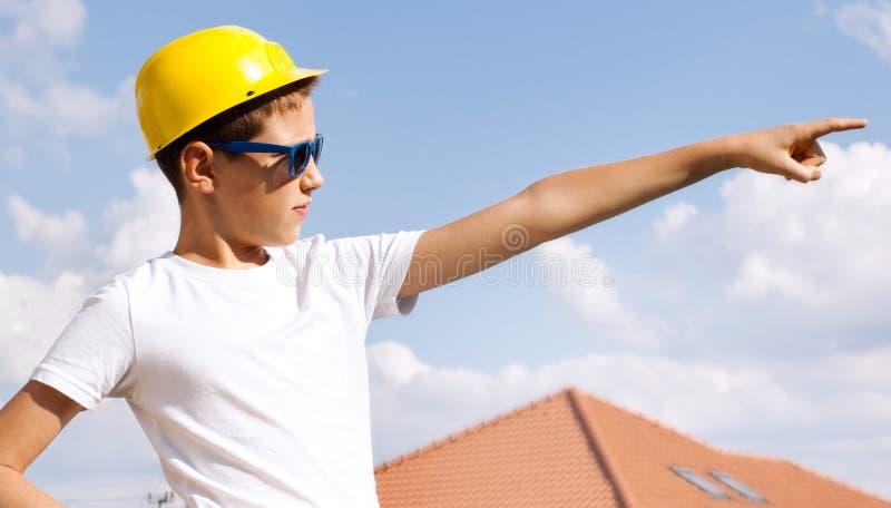Petit travailleur de la construction photos stock