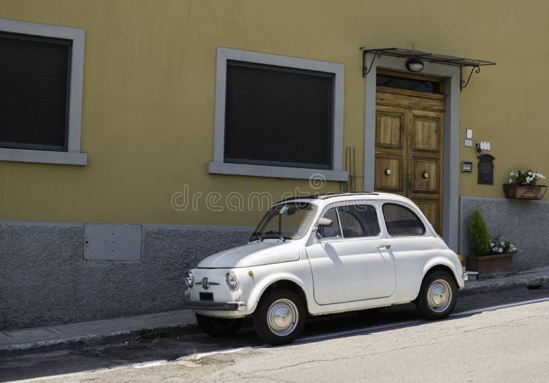 Petit vintage blanc Fiat Abarth photo libre de droits