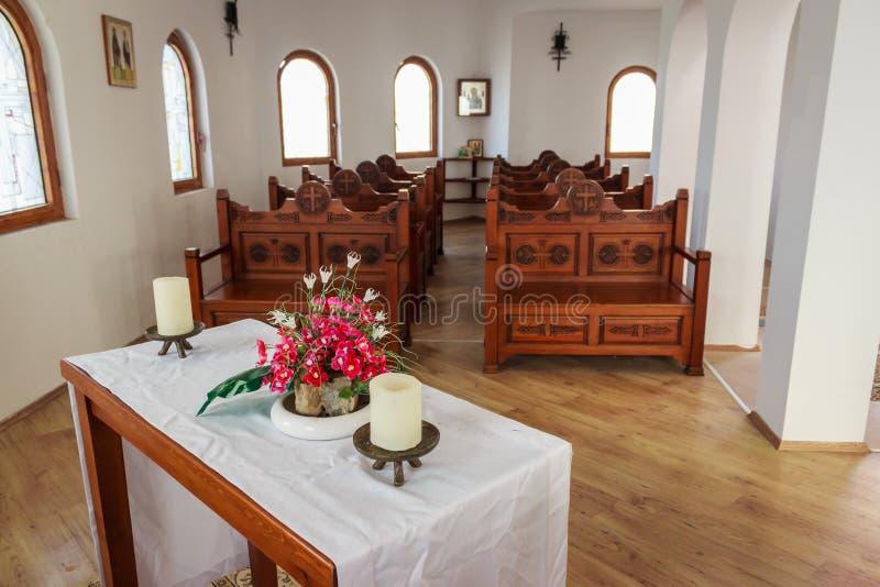 Petite église d'intérieur photographie stock libre de droits