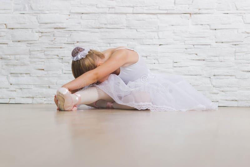 Petite ballerine mignonne ballet photographie stock