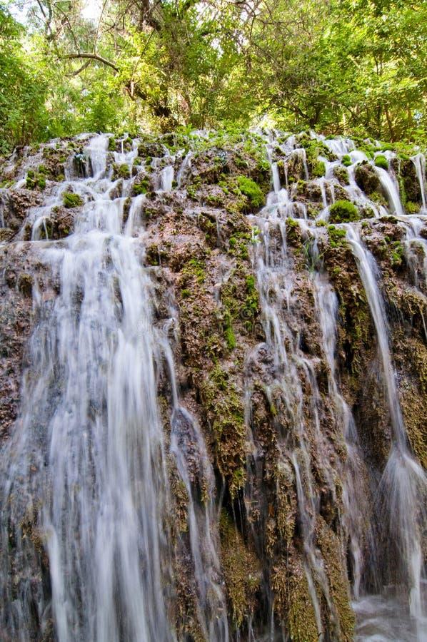 Petite cascade en Monasterio de Piedra Park, Saragosse, Espagne images libres de droits