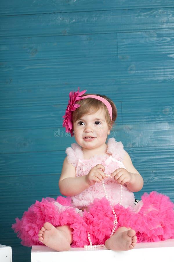 Petite fille élégante image stock