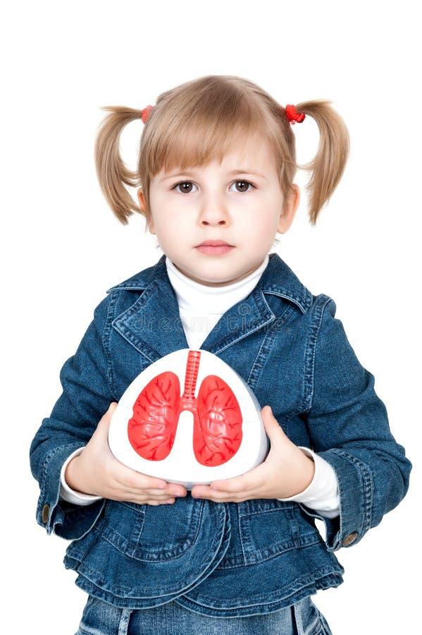 Petite fille avec des poumons images libres de droits