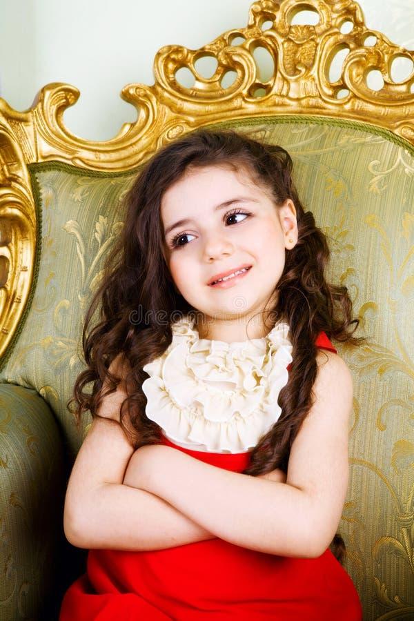 Petite fille avec le long cheveu photos stock