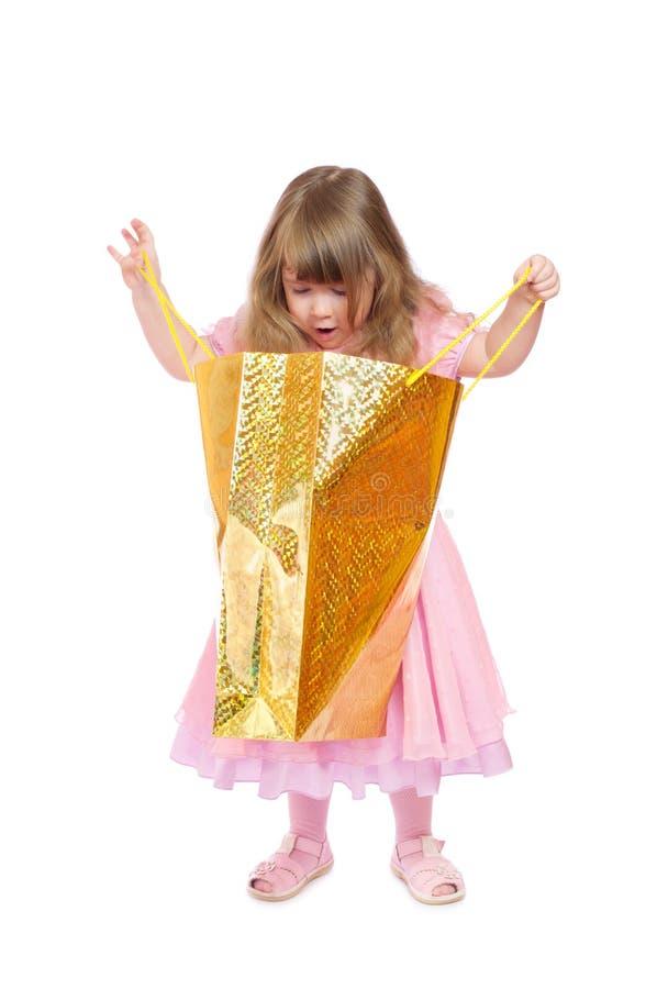 Petite fille avec le sac photos libres de droits