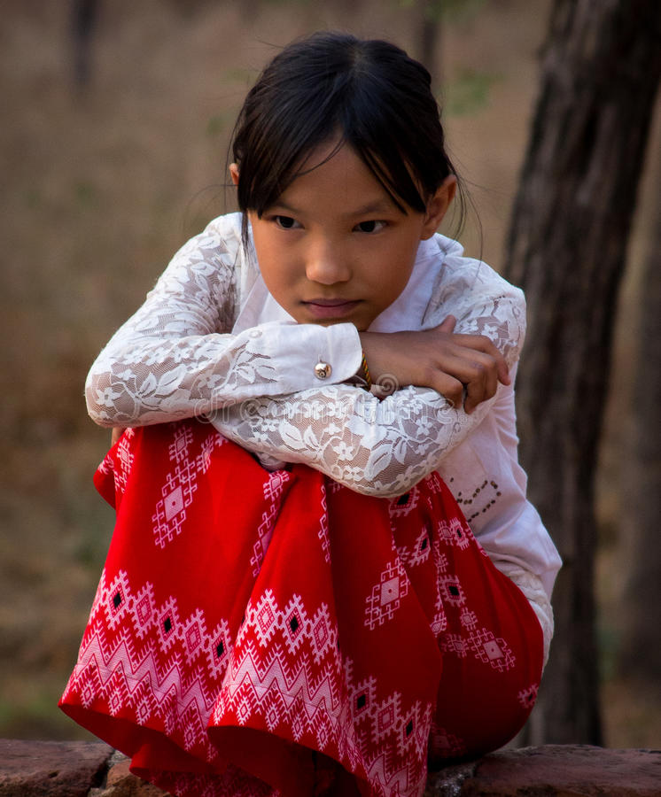 Petite fille birmanne images stock