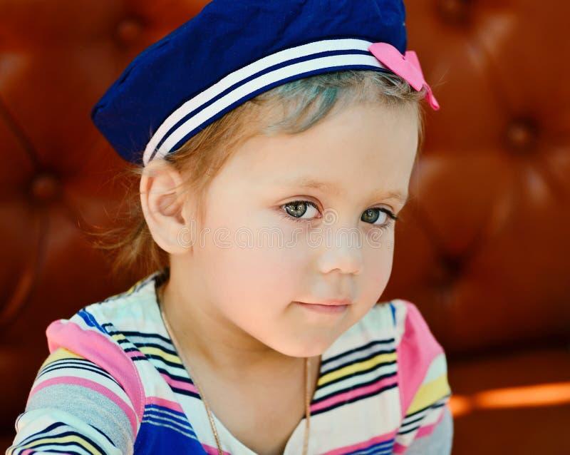 Petite fille de marin image stock