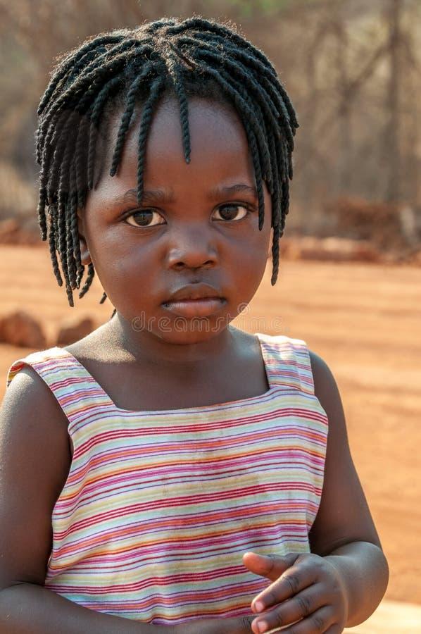 Fille du Zimbabwe photo stock. Image du accessoires, fille