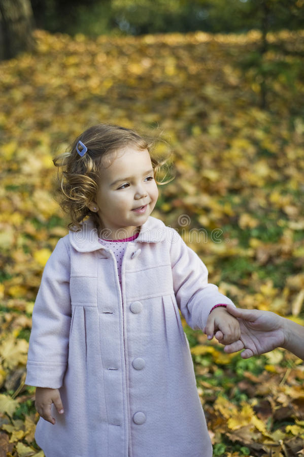 Petite fille heureuse photos stock