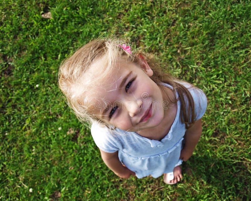 Petite fille recherchant images stock