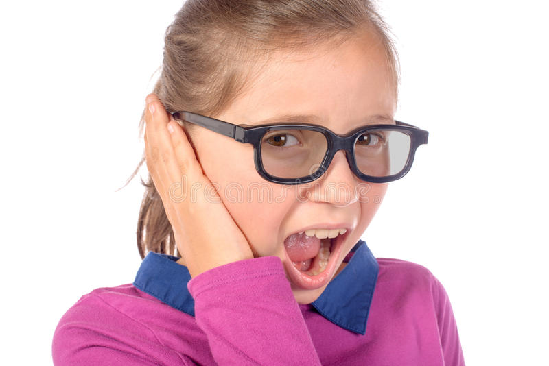 Petite fille un mal d'oreille image libre de droits