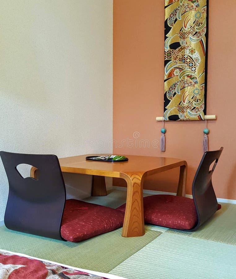 Petite salle à manger à Kyoto, Japon pour des voyageurs images libres de droits