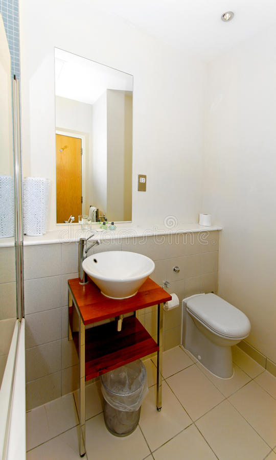 Petite salle de bains images libres de droits
