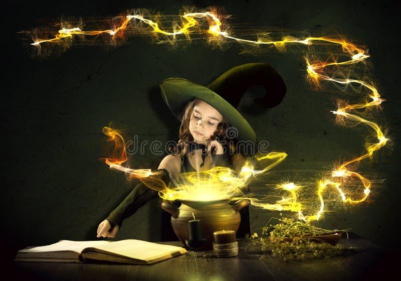 Petite sorcière photos libres de droits