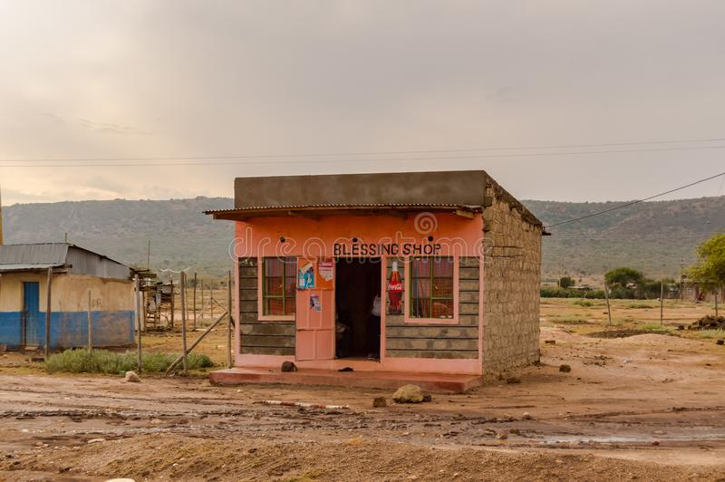Petite stalle de bloc en béton rose en Vallée du Rift du ` s du Kenya photos stock