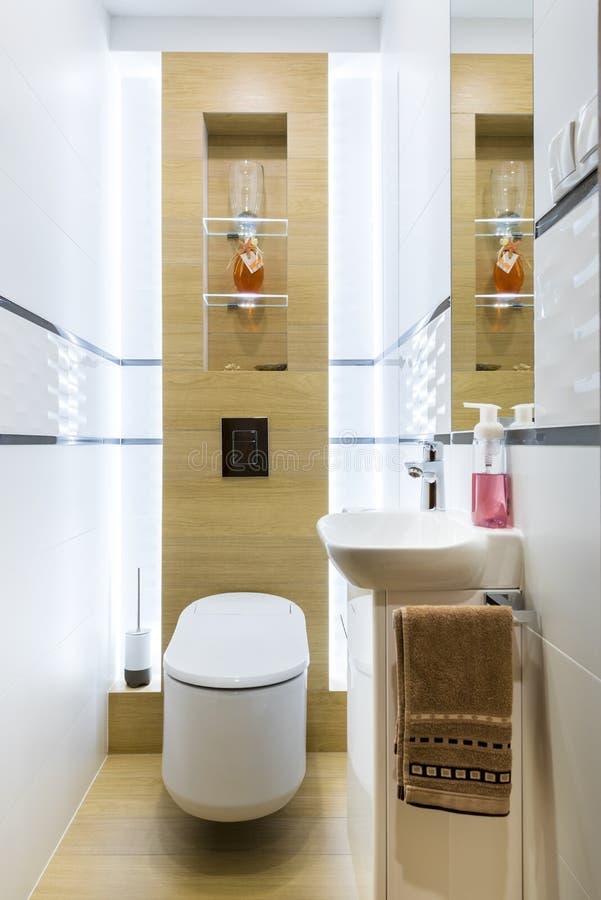 Petite toilette moderne photos stock