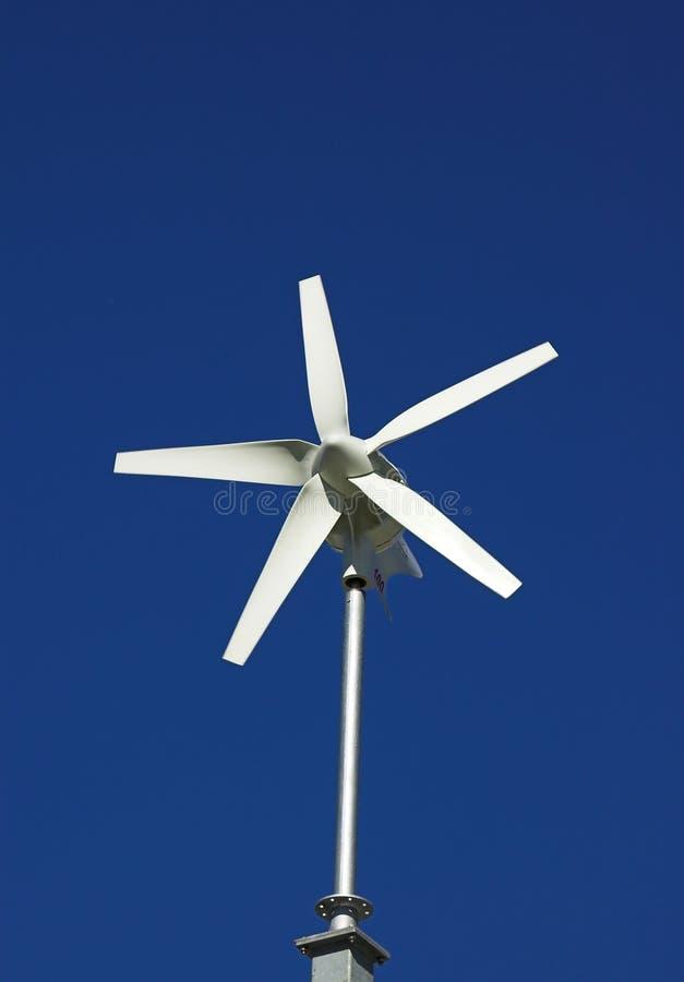 Petite turbine de vent images stock