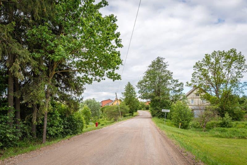 Petite ville letton Gulbene image stock