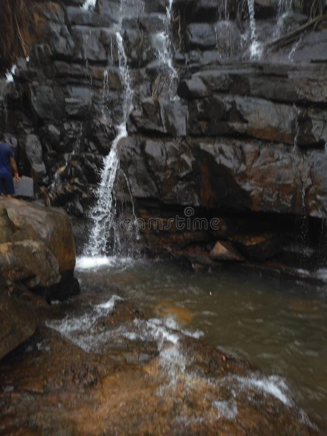 Petites cascades ? ?criture ligne par ligne photo stock