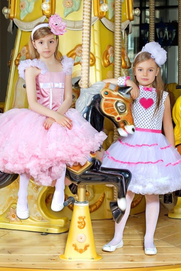 Petites filles élégantes photos stock